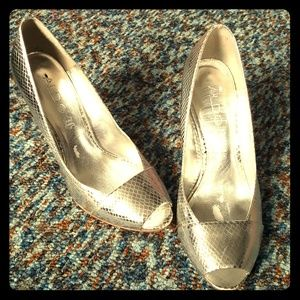 Size 38 Also silver pumps